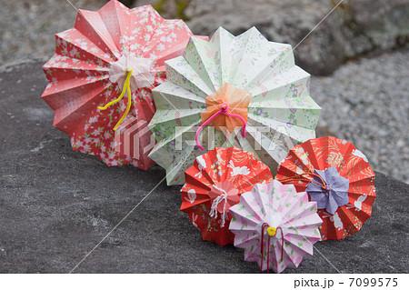 クリスマス 折り紙 折り紙 傘 : pixta.jp