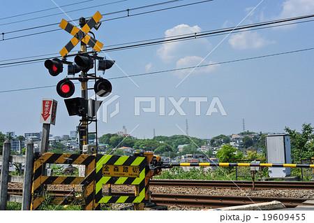 遮断機の写真素材 - PIXTA