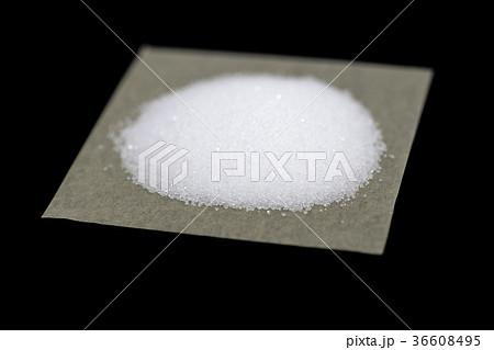 薬包紙 実験 白い粉の写真素材 Pixta
